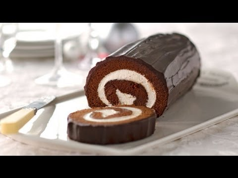 A Chocolate Roll Cake That Anyone Can Do