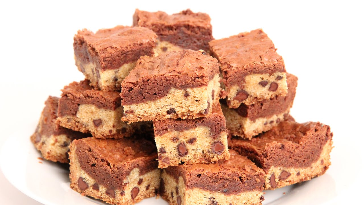Just Wait Until You See What She Combined These Brownies With – YUM