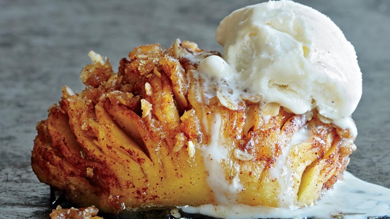 Learn How To Make Hasselback Baked Apples