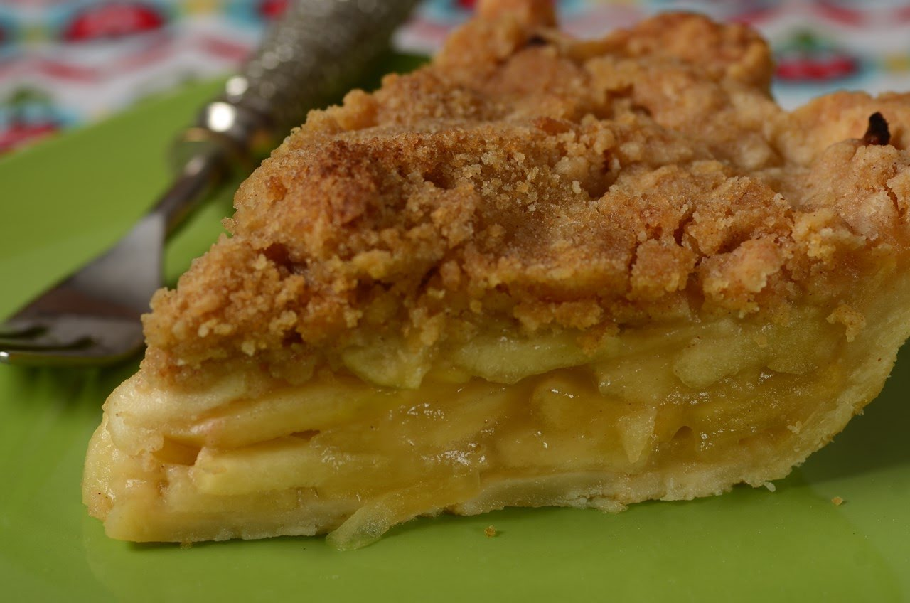She Combines The Best Part Of An Apple Pie and An Apple Crisp And Creates This