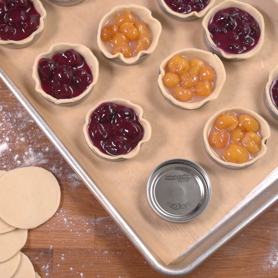 She Used Mason Jar Lids And Created The Perfect Mini Pie
