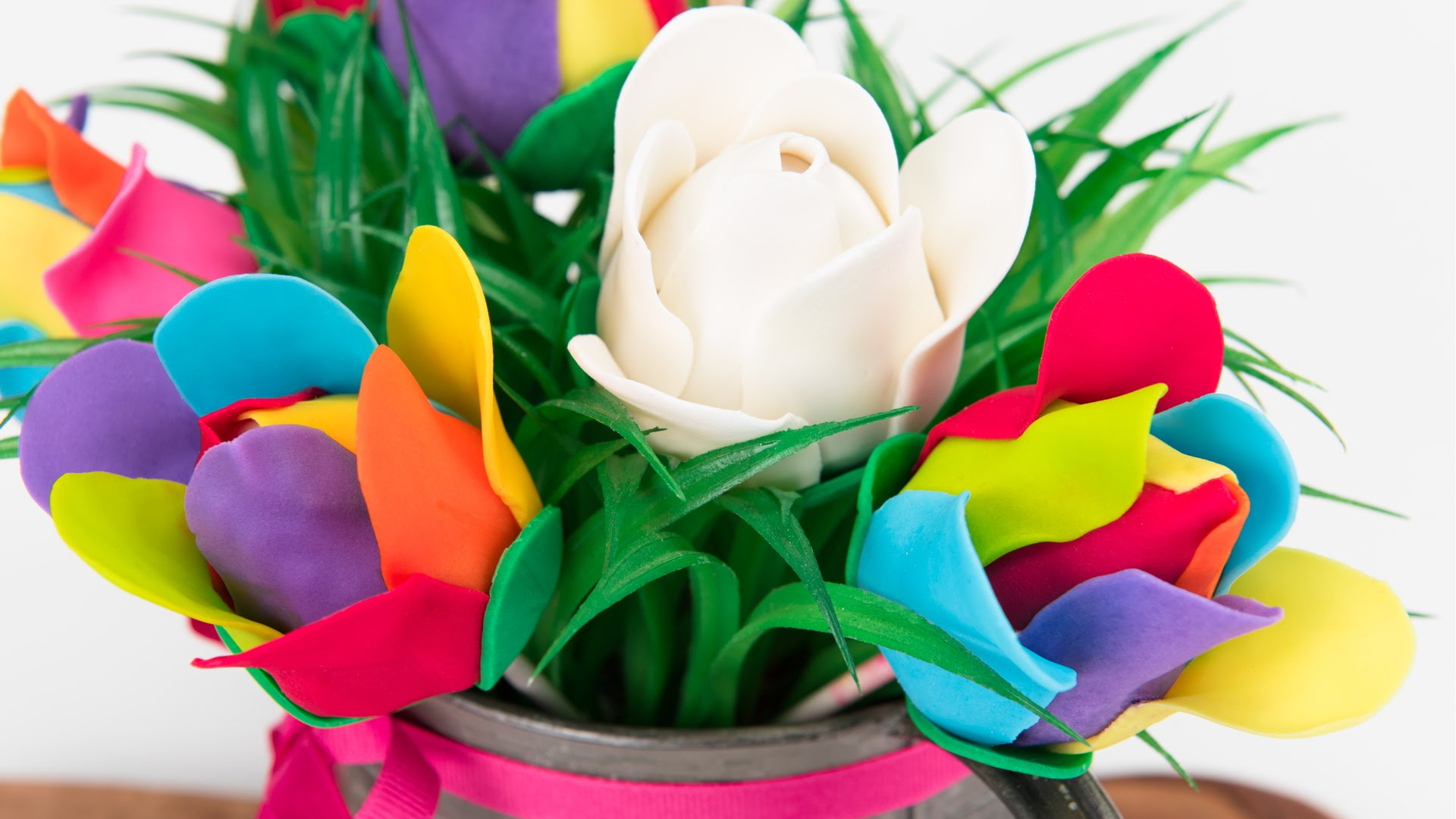 Don't Have A Mother's Day Gift… Try These Rainbow Rose Cake Pops
