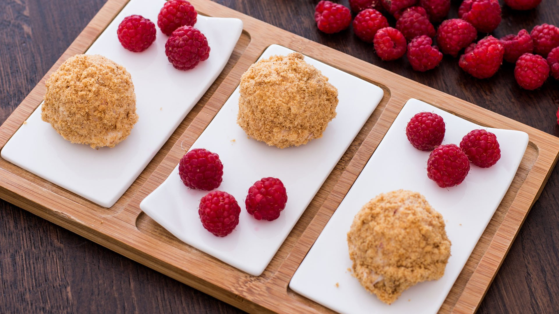 Make These No-Bake Raspberry Cheesecake Bites This Summer