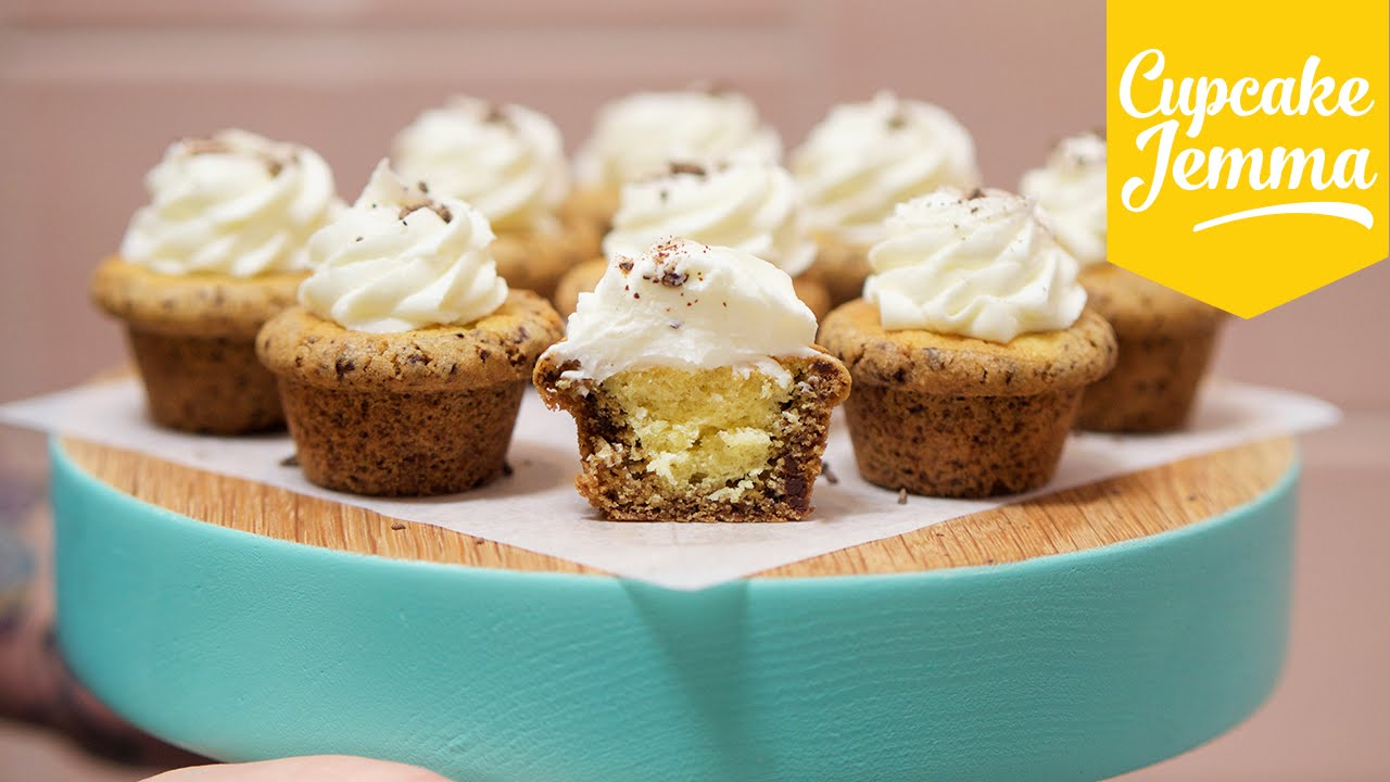 She Just Reinvented A Cupcake With These Chocolate Chip Cookie Cupcakes