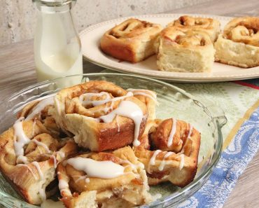 These Apple Pie Rolls Are Worth Every Roll ;)