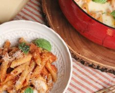 A ONE POT Chicken Parm Pasta Meal